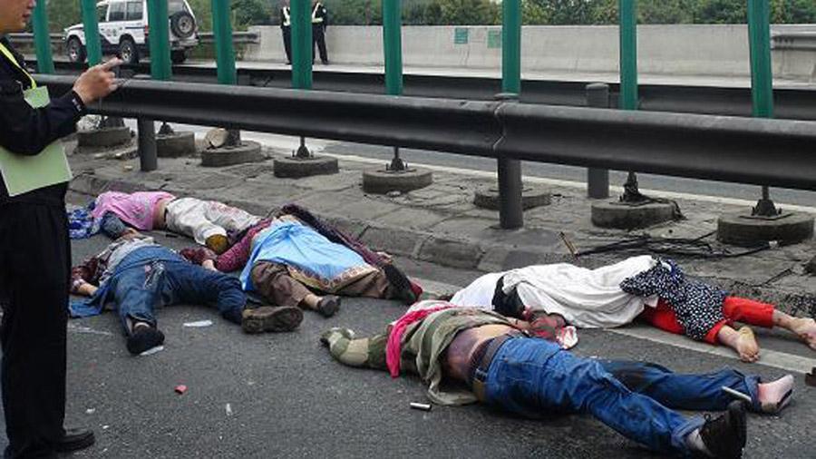 交通事故死亡起�y.i_深汕高速发生一起特大交通事故 造成5人死亡