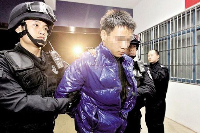 武汉女大学生惨死千人验DNA续:嫌犯已抓获 系