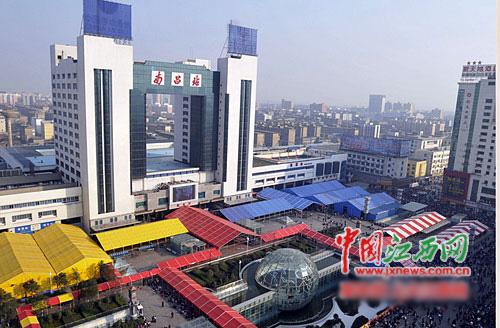 如今的南昌火车站会启用风雨棚