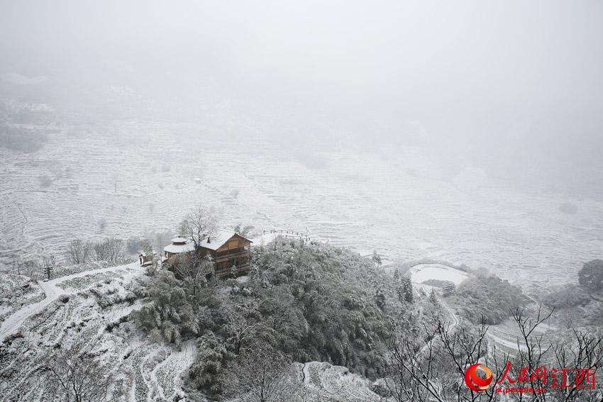 下雪美丽的风景