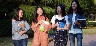 厉害了!南昌大学同寝室4人全部保研        南昌大学女生16栋229寝室的4人全部获得保研资格,她们的宿舍被同学们称为学霸寝室。
