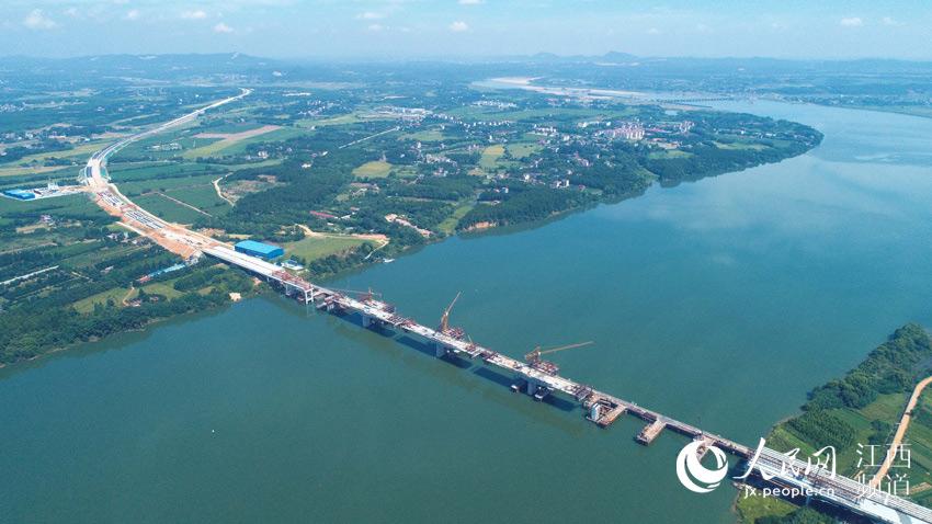 广吉高速泰和北赣江特大桥即将合龙(图)