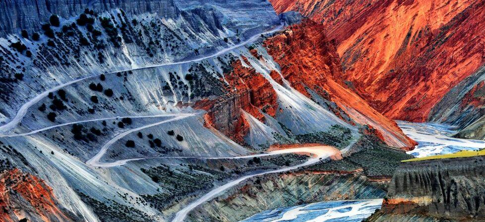 新疆安集海大峡谷 沙湾大地上的绝美画卷