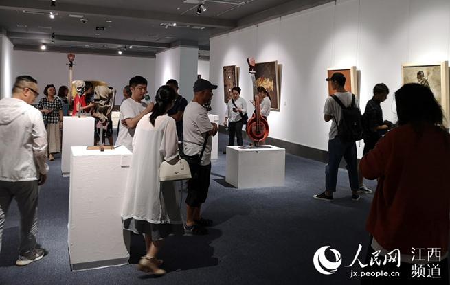 《智者创物》国际当代漆艺展南昌站启幕