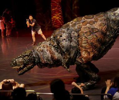 《恐龙动物园》在沪上演