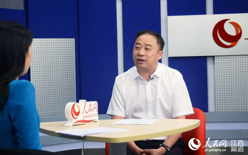 江西省建工集团公司党委副书记,副董事长,总经理周才柬做客人民网江西