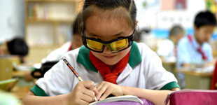 配近视眼镜只需要验光?测量眼轴也很重要