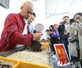 江西樟树第49届全国药材药品交易会开幕        大会吸引了全国各地的7600多家医药厂商参会参展