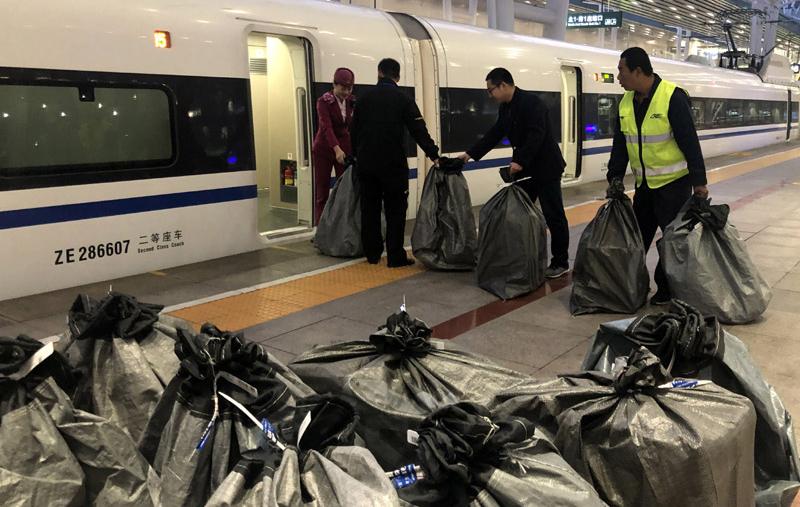 """南铁:电商货物""""乘坐""""高铁 运力投放创历年新高"""