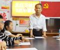 """让学生放学有""""归宿""""         在南昌市西湖区天灯下社区的""""三点半课堂""""里,石头街小学放了学……"""