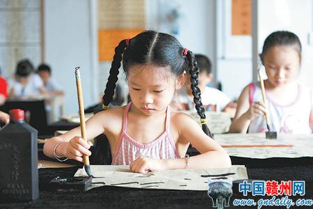 传统文化教育受到家长孩子青睐